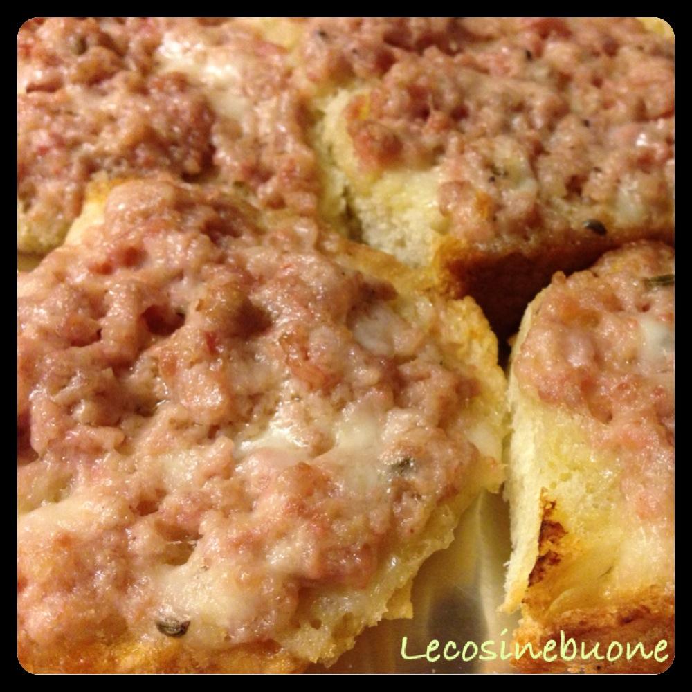 Crostini/bruschette salsiccia e stracchino in forno (3/3)