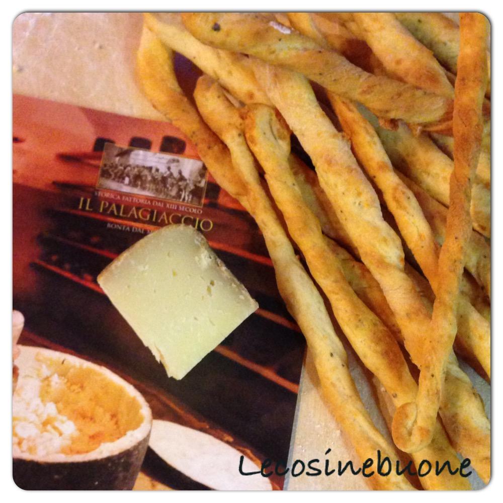 Grissini cacio e pepe con formaggio Gran Mugello della Storica Fattoria Palagiaccio (3/3)
