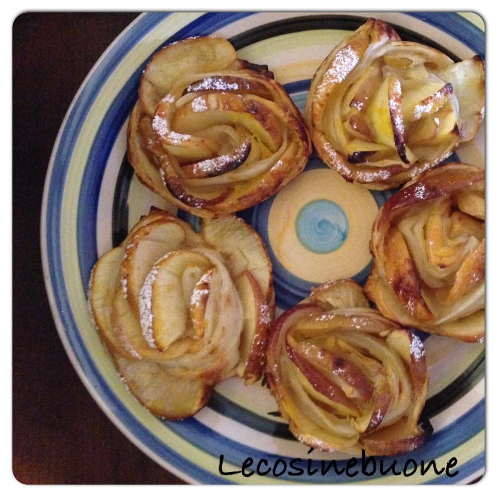 Roselline di pasta sfoglia con mele e marmellata (1/2)